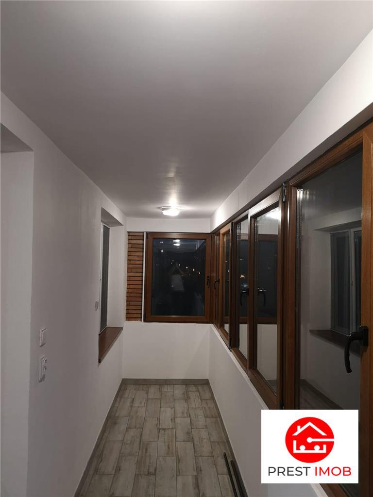 Apartament cu 3 camere de inchiriat in zona semicentrala