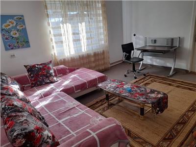 De inchiriat: apartament cu 2 camere, in cartierul Cornisa!