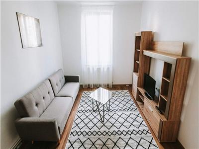 De inchiriat: apartament cu 2 camere, situat in zona centrala!