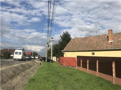 Casa in Ungheni Jud Mures, intrare de pe E 60