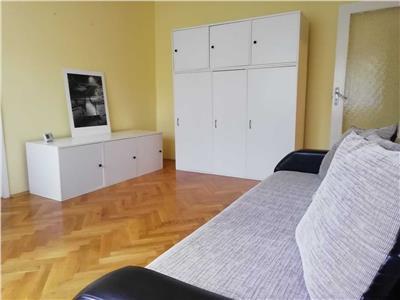De inchiriat: apartament cu 3 camere, in cartierul 7 Noiembrie!