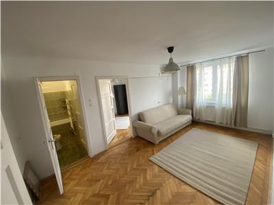 Apartament cu 2 camere de inchiriat ultracentral!